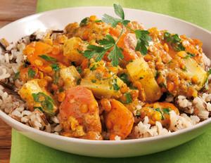 Linsen-Kokos-Curry mit Natur- und Wildreis