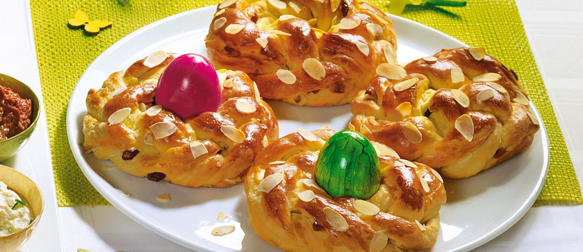 Mini-Osterkränze mit Marzipan