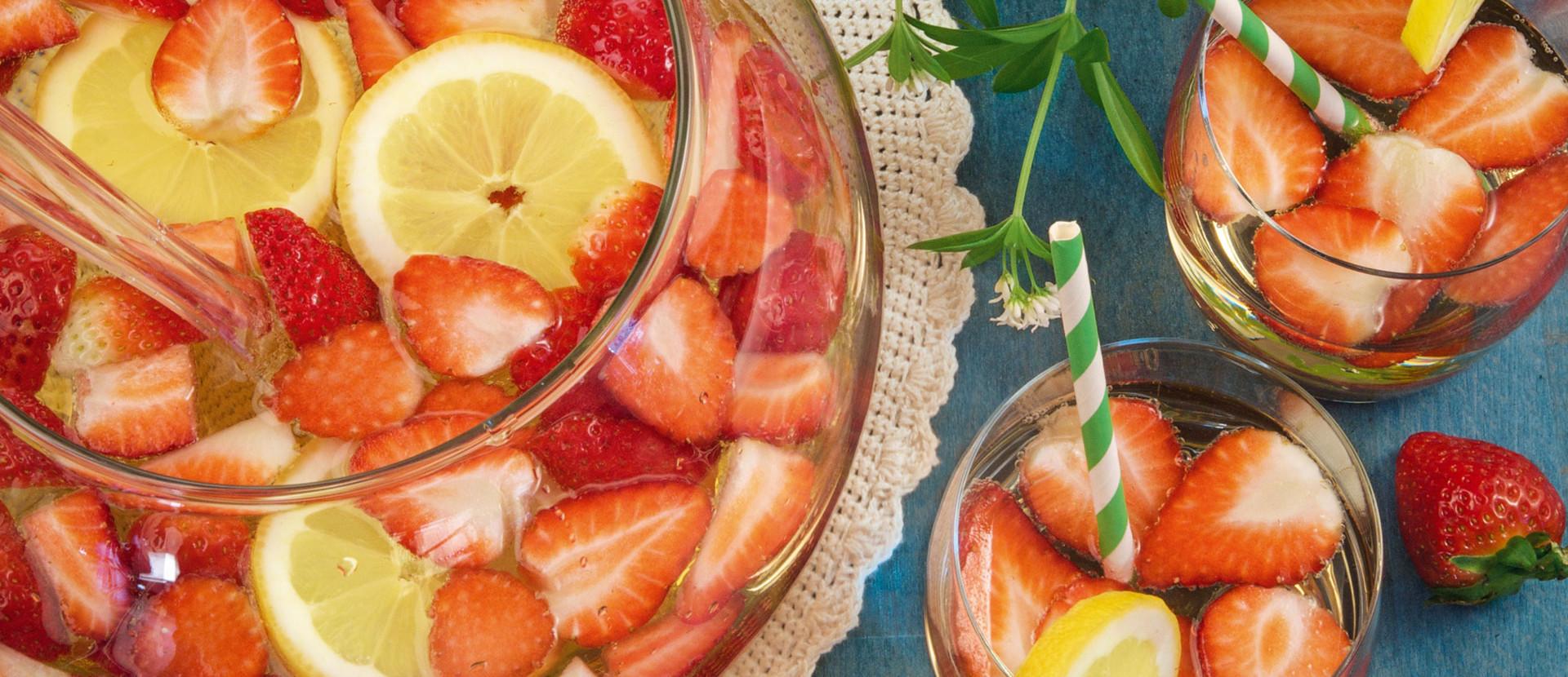 Waldmeister Bowle Erdbeer Zitrone