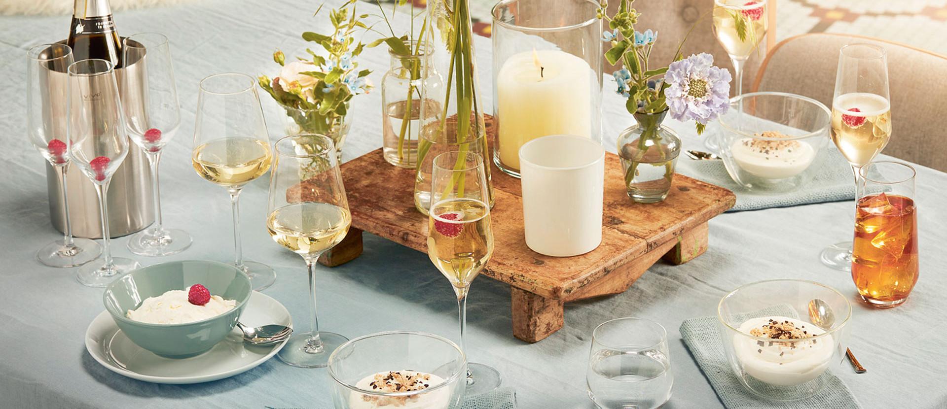 Produkte von Vivo auf gedecktem Tisch