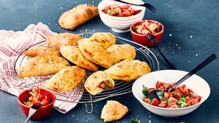 Empanadas mett paprika fuellung tomatensalat arvid knoll