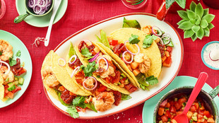 Taco-Shells mit Garnelen & Papaya-Salsa