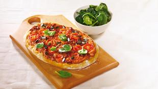 Fladen mit Räuchertofu, Tomaten und Spinat