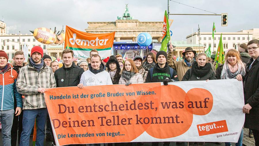 Tegut Azubis auf der Demo Wir haben es satt in Berlin