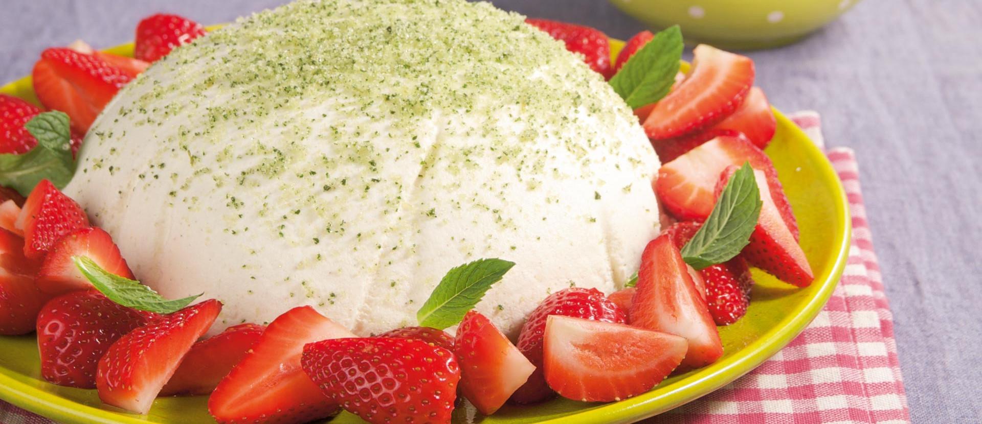 Joghurtdessert mit Erdbeeren und Minze-Zucker