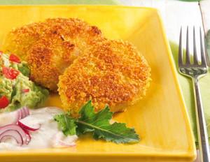 Kohlrabischnitzel mit Joghurtsauce und Avocado-Dip
