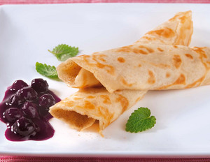 Veganer Pfannkuchen mit Heidelbeer-Kompott