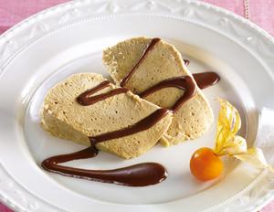 Espresso-Parfait mit Schoko-Amaretto-Sauce