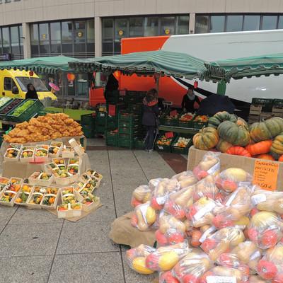 Obst und Gemüseverkauf auf einem Markt