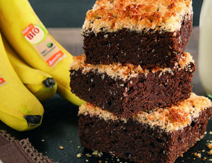 Schoko Bananen Kuchen mit Kokosraspeln