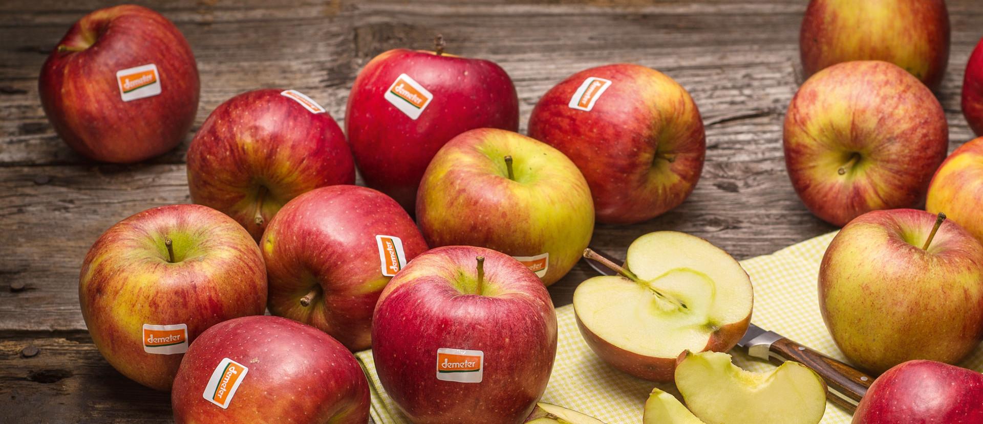 rote demeter Äpfel