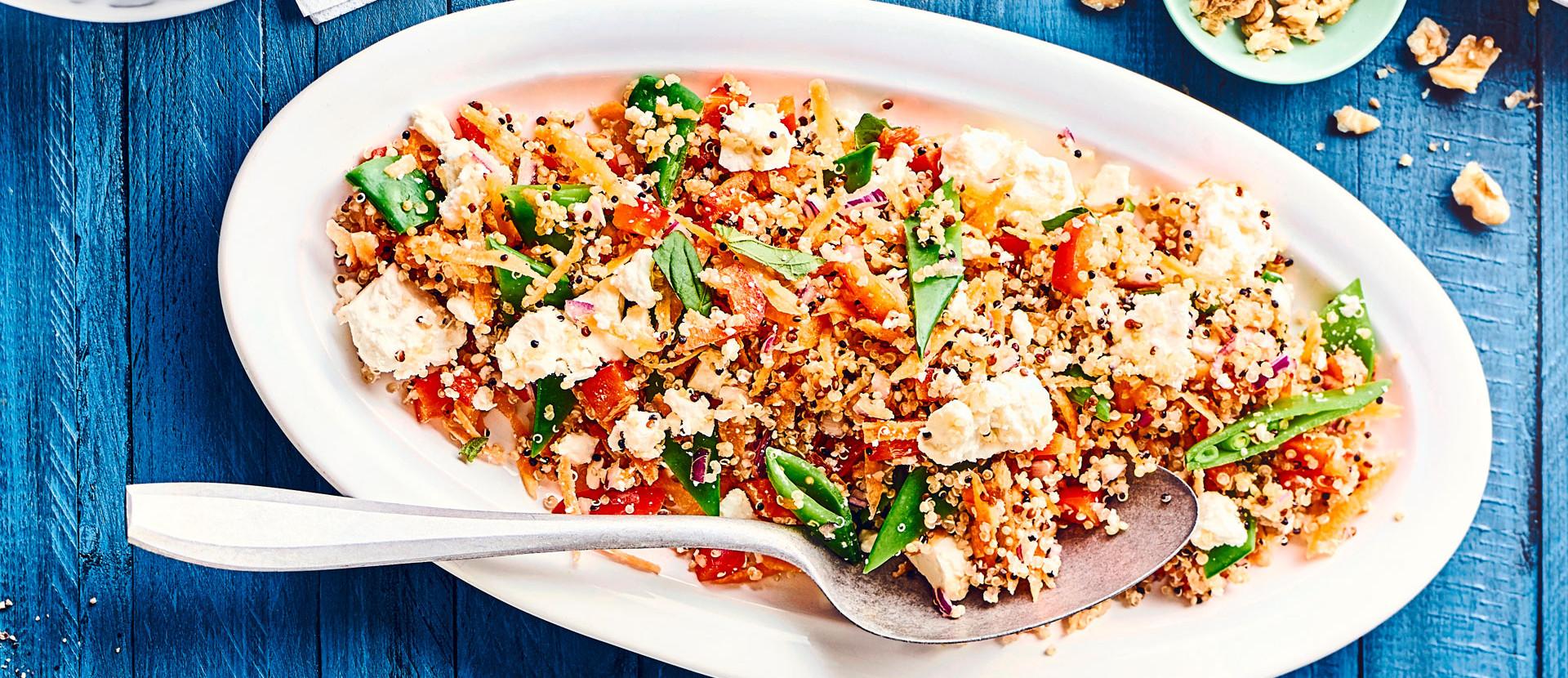 Curry Quinoa Sala mit Feta