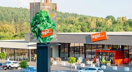 Außenansicht tegut… Markt in Petersberg–Marbach