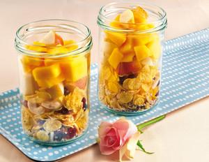 Gute-Laune-Müsli mit frischen Früchten
