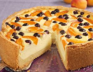 Aprikosen-Quarkkuchen mit Heidelbeeren