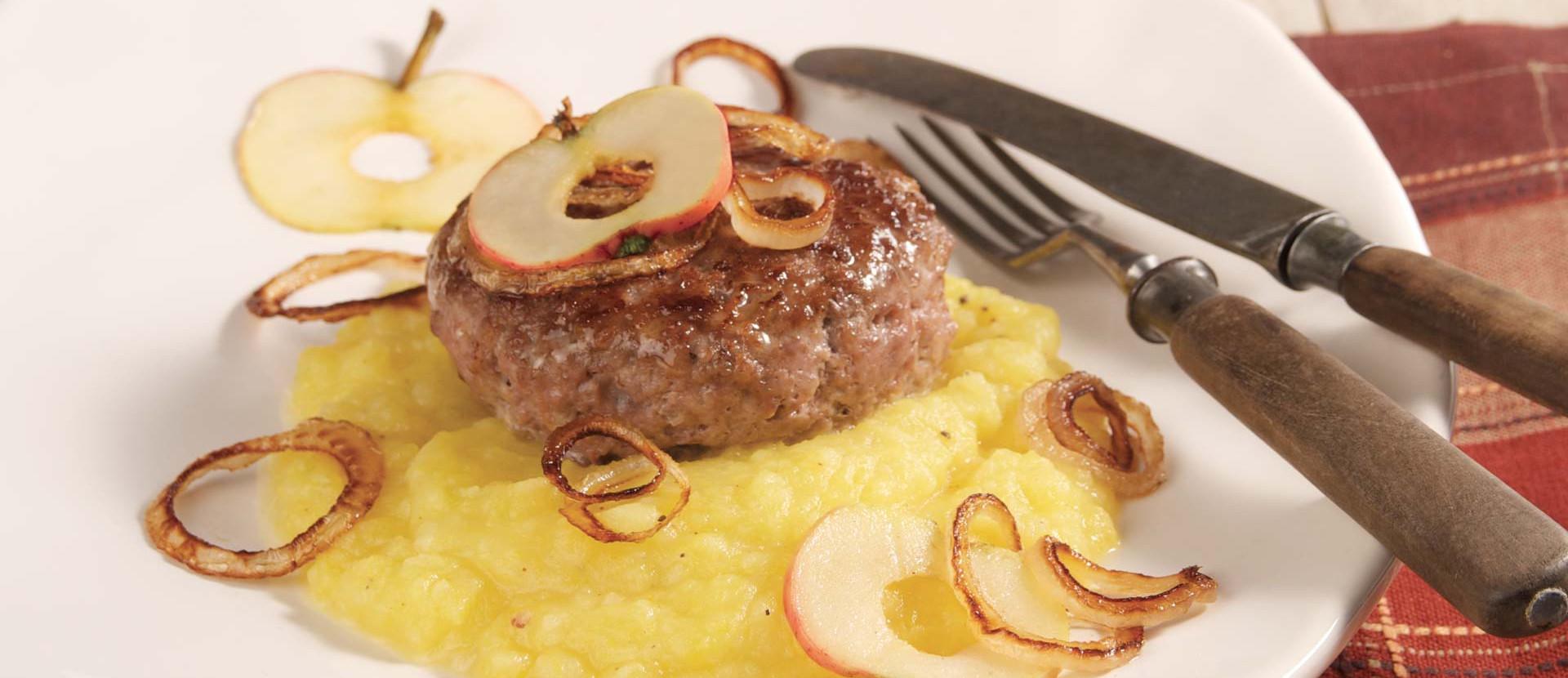 Kürbis-Kartoffelpüree mit Frikadelle