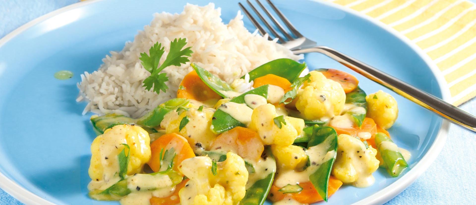 Sommergemuese mit Curry und Sojasahne