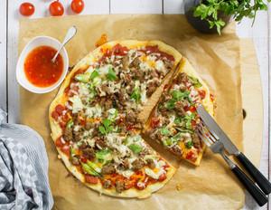 Asia-Pizza mit Mett