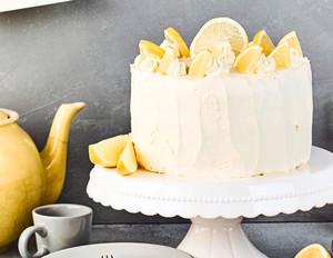 Zitronencreme-Biskuit-Torte
