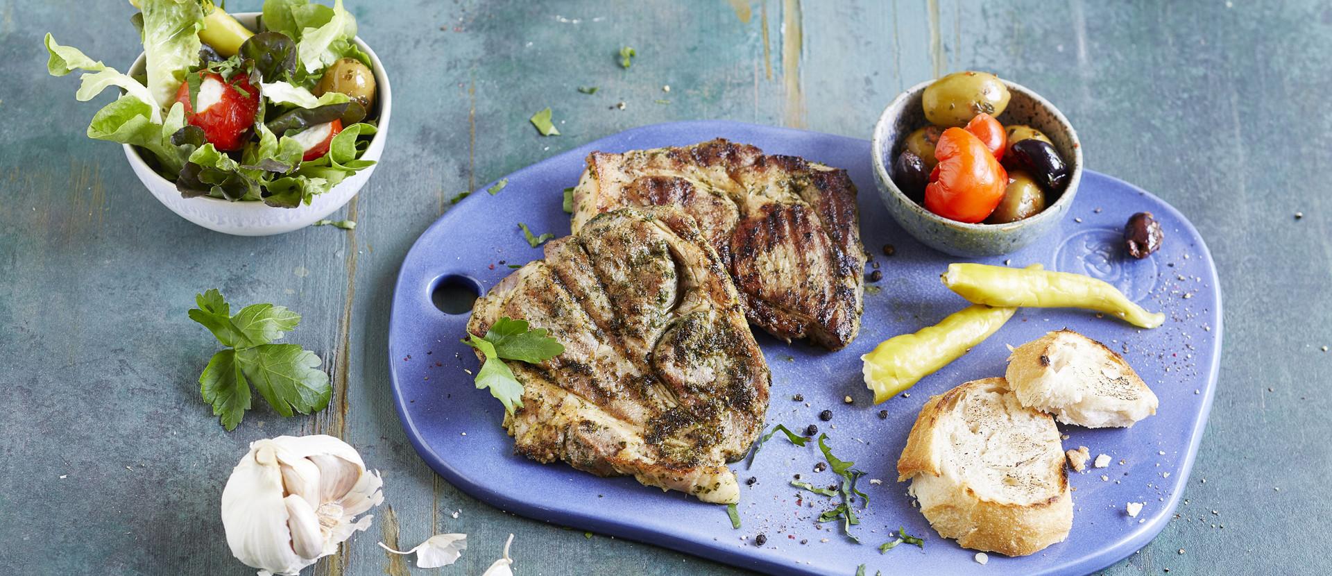Grill Steaks mit Antipasti