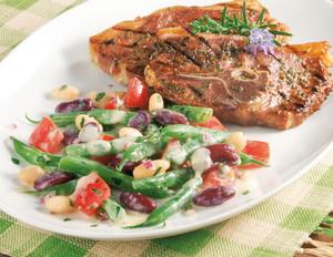 Lammkoteletts und Bohnensalat mit Joghurtdressing