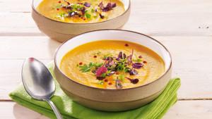 Paprika-Suppe mit Kresse