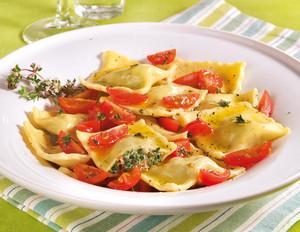 Tortelloni mit Spinat und Ziegenfrischkäse