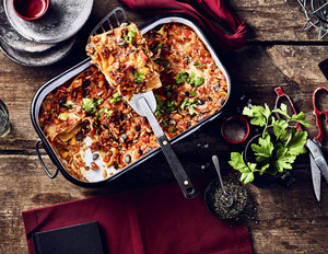 Vegane Lasagne mit Sonnenblumen-Kürbiskern-Hack