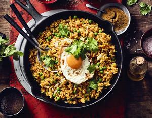 Khichdi indisches Gericht mit Basmatireis & Linsen
