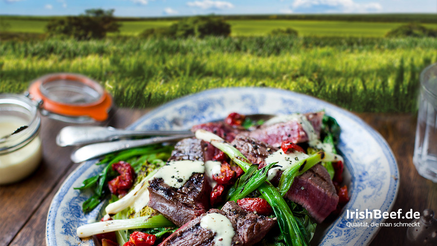 Ein Teller mit Beef Salad