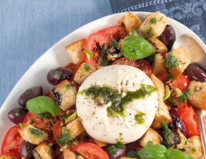 Burratina mit Tomaten und Knoblauch-Röstbrot