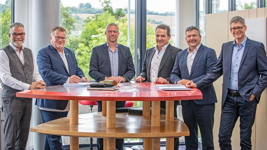 tegut... und deutscher Tierschutzbund unterschreiben Markenlizenzvertrag