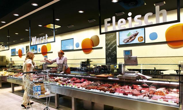 Fleisch und Wursttheke im tegut... Markt Wiesbaden