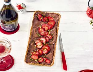 Erdbeer-Schoko-Tarte mit Pistazien