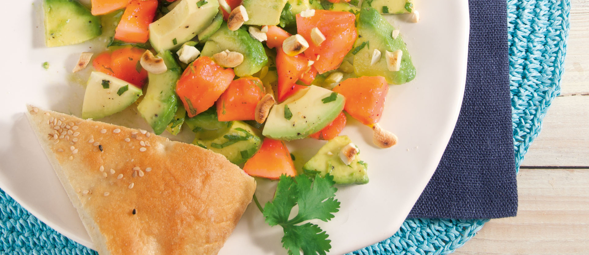 Papaya-Avocado-Salat mit frischem Koriander