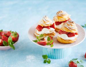 Erdbeer Windbeutel mit Ingwersahne