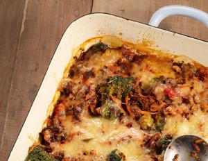 Quinoa-Auflauf mit Tomaten & Oliven