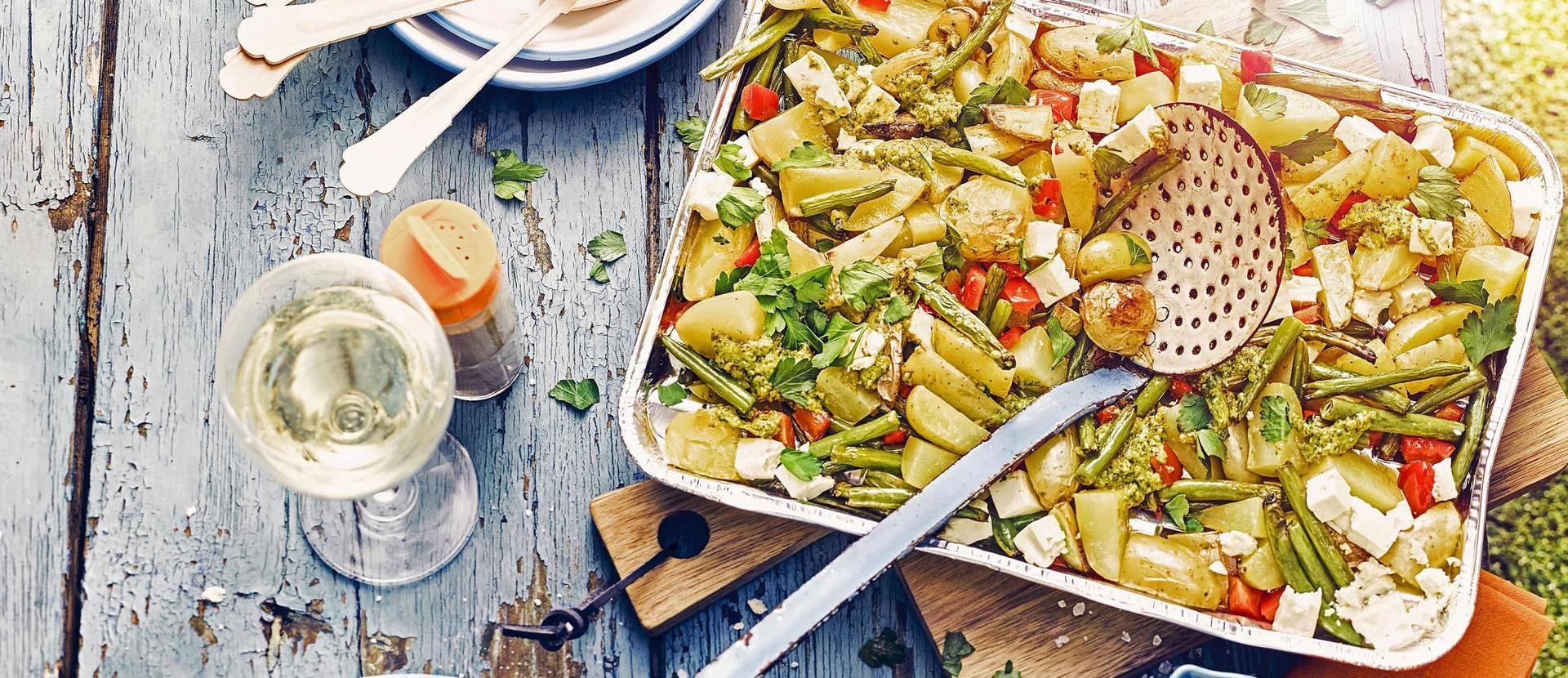 Grillen grillkartoffeln gruene bohnen feta weisswein