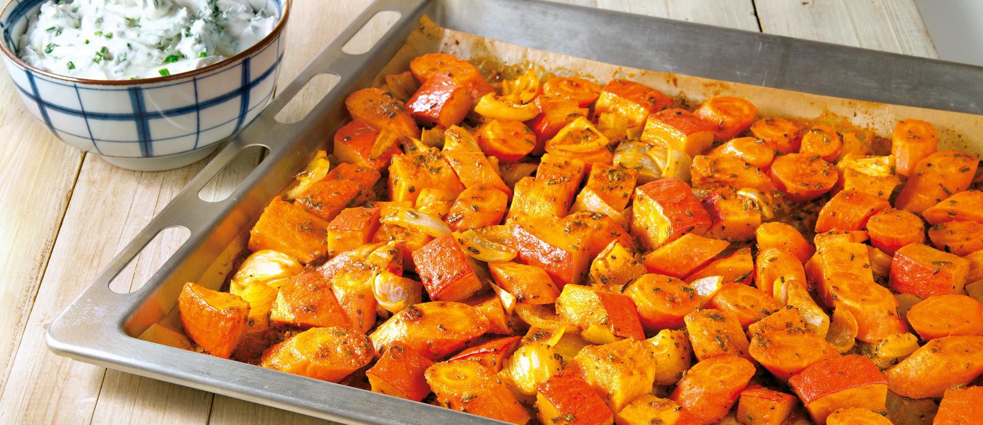 Ofengemuese mit Harissa und Ziegenfrischkaese Dip