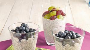 Chia Pudding mit Heidelbeere,Apfel und Traube
