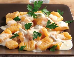 Möhren-Gnocchi mit Käsesauce