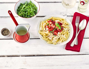 Pasta Quattro Formaggi mit Erdbeer-Basilikum-Salsa