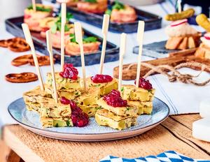 Bayerische Frittata mit Preiselbeeren