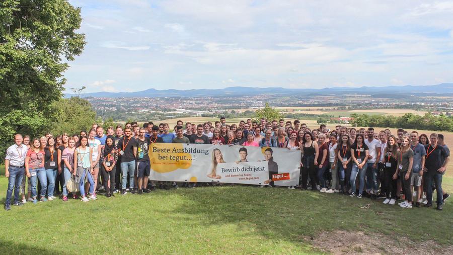 Die ersten 130 neuen Auszubildenden bei tegut beim Einfuhrungsseminar in Fulda