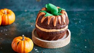 Pumpkin Cake mit Haselnüssen