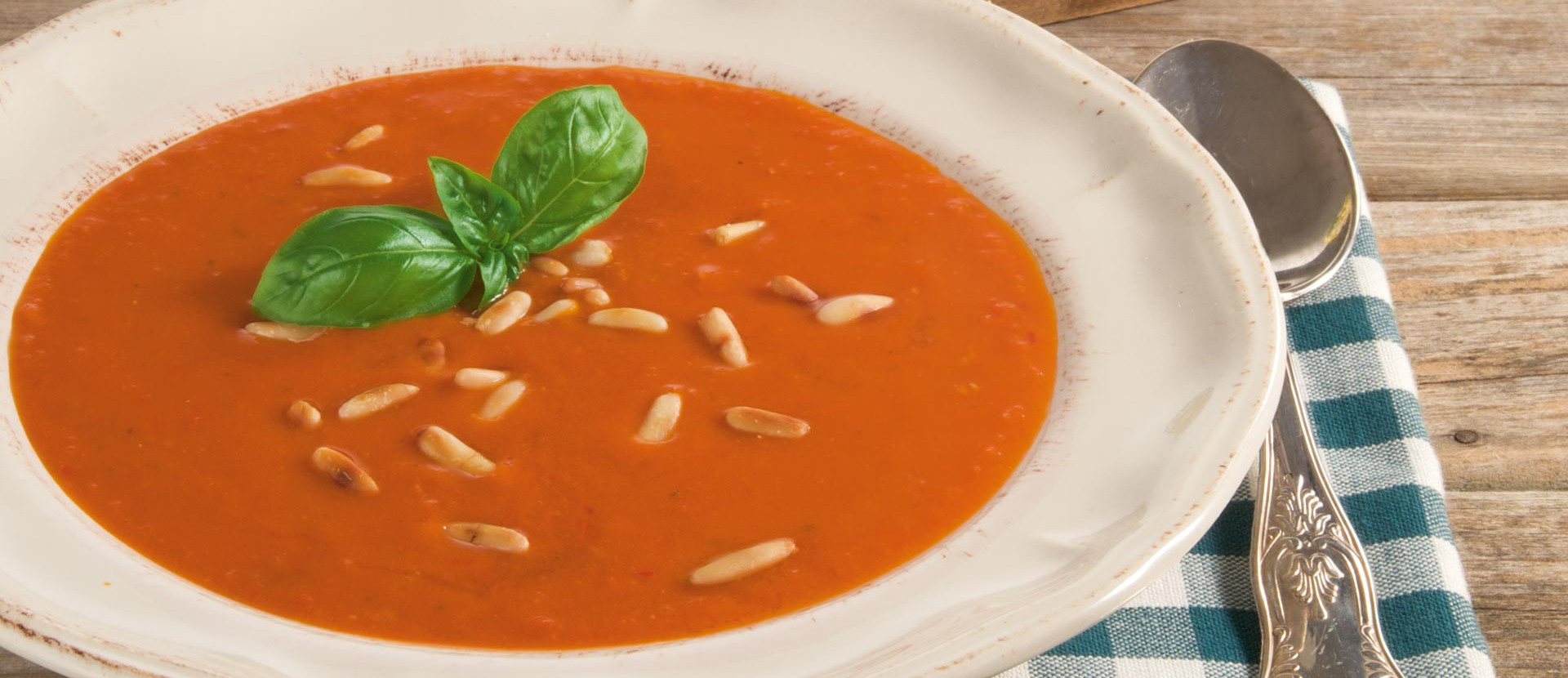 Tomatensuppe mit Schafskäse-Ciabatta