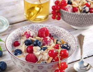 Quinoa-Porridge mit Beeren