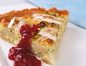 Birnen-Quiche mit Camembert und Preiselbeeren