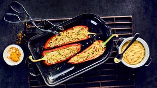 Gefüllte Spitzpaprika mit Dattel Curry Dip
