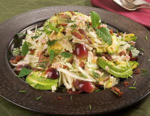 Weißkohlsalat mit Avocado und Bacon